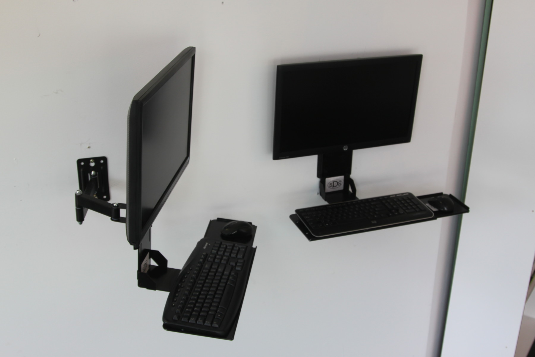 Vesa Keyboard Tray W Integrated Wall Mount